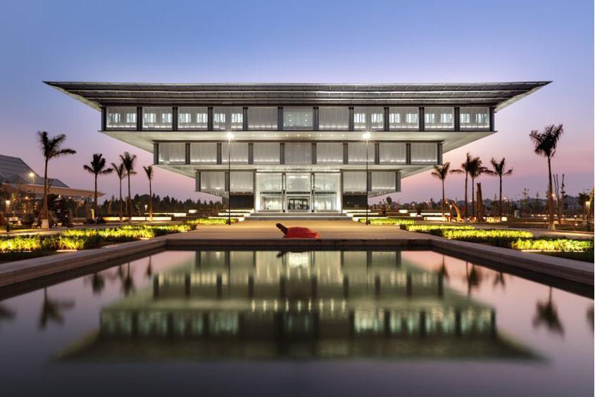 Bảo tàng Hà Nội, đường Phạm Hung, Hà Nội